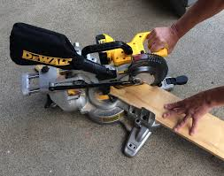 Saws For Cutting Laminate Flooring Dewalt 20v Max Miter Saw Review U2013 Sliding Into A New Niche