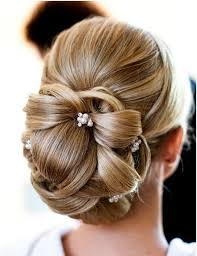 Hochsteckfrisurenen Hochzeit Klassisch by Pin Ina Auf Frisuren Einfache Brautjungfer Haar