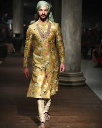 indian wedding dresses for and groom 99 best the indian look images on indian weddings