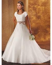 robes de mari e bordeaux robe de mariée rétro avec broderie et ceinture à bordeaux robe