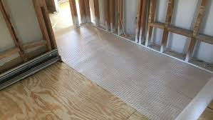 Best Underlayment For Laminate Flooring On Concrete Floor Laminate Flooring Over Carpet Underlay Unique On Floor In