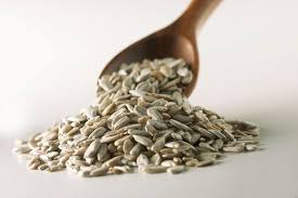calories in sunflower seeds and their health benefits