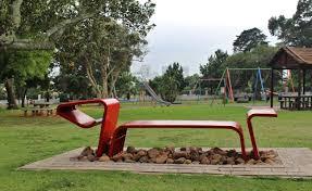 file de waal park bench playground jpg wikimedia commons