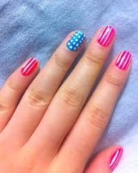 simple and fun 4th of july nails for smart