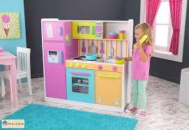 les enfants en cuisine cuisine en bois pour enfants colorée 1 10 m kidkraft