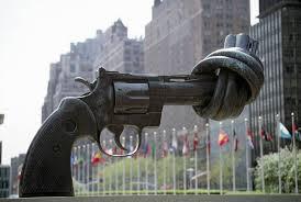siege des nations unis non violence une sculpture de karl fredrik reutersward au siège