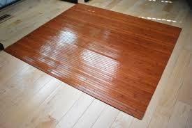 mat for office chair on wood floor 3444