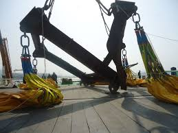 lifting spreader collapsed during testing with water weights all
