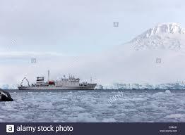 akademik sergey vavilov russian research ship in port lockroy as