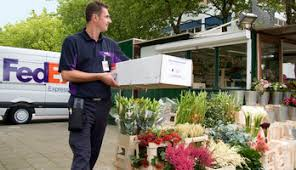 deliver flowers fedex delivers longer vase for flowers for s day