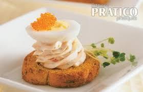 caille sur canapé oeufs de caille au saumon recettes cuisine et nutrition