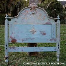 Shabby Chic Blue Paint by Shabby And Chic Painted Furniture Creates A Cool Coastal Vibe