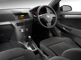 lexus wagon interior holden astra wagon 2005 picture 15 of 25