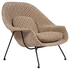 first generation eero saarinen womb chair for knoll at 1stdibs