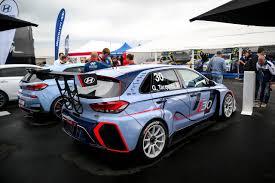 mobil balap model mobil balap dengan menggunakan velg racing di cikarang