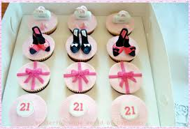 wonderful world of cupcakes cupcakes with shoes and handbags