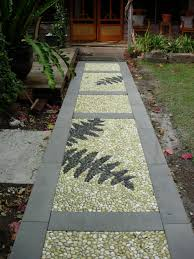 interesting decking type garden walkway footpath design