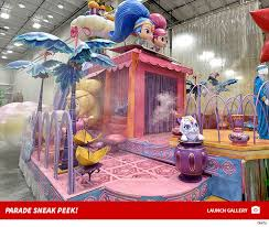 macy s thanksgiving day parade floats ready to roll tmz