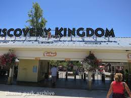Six Flags Outlets Entrance At Six Flags Discovery Kingdom Theme Park Archive