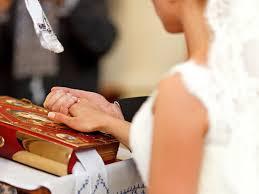 Wedding Dress Chord 35 Christian Wedding Songs U2013 Top Christian Songs
