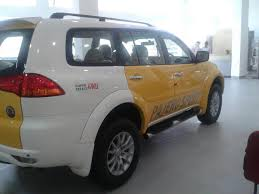 mitsubishi yellow mitsubishi pajero sport with dual tone paint brings cheer