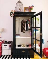 armoire vintage chambre 1001 idées pour relooker une armoire ancienne parquet clair