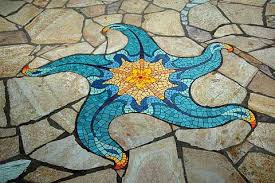 5 unique ideas how to use mosaic tiles in the garden
