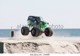 monster truck race stock photos u0026 monster truck race stock images