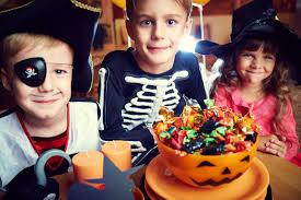 spirit halloween bakersfield ca 14 food freebies for halloween the fiscal times