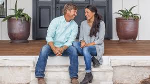 chip and joanna gaines of u0027fixer upper u0027 buy texas home today com
