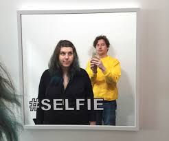 selfie mirror 3 steps with pictures