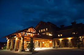 wedding venues in montana intimate destination wedding at mountain lodge in big sky montana