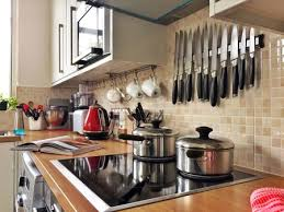 what s the best thing to clean kitchen cabinets with clean your kitchen in 15 minutes or less