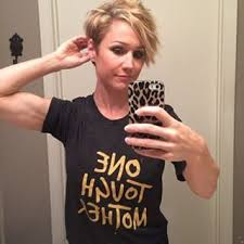 jamie easons haircuts jamie eason is so cute in her glasses i need a more fashionable