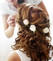fleurs cheveux mariage coiffure fleurs mariee coiffures fleuries mariage