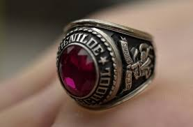 highschool class ring class rings don t cut it as bling startribune