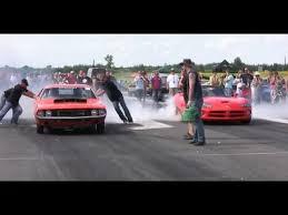 dodge challenger vs viper dodge challenger vs dodge viper drag race