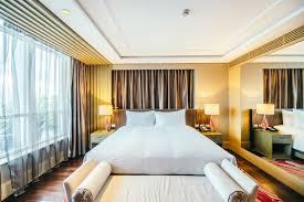 hotel avec en chambre elégante chambre d hôtel avec un grand lit télécharger des photos