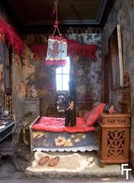 chambre chinoise fondation tanagra mode culture lala house maison de poupées