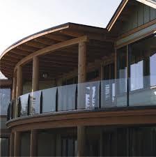 glas balkon geländer am balkon bauen aus edelstahl holz oder glas