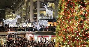 cyber monday christmas lights 40 canadian online stores with crazy cyber monday deals narcity