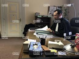 sur le bureau edition de avold creutzwald avold dans le bureau du