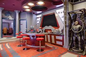 Nerd Home Decor This Chic Star Trek Mansion Could Be Yours Homes And Hues
