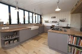 modele de plan de travail cuisine modele cuisine plan de travail gris idée de modèle de cuisine