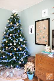 decorating trees and coffee cups
