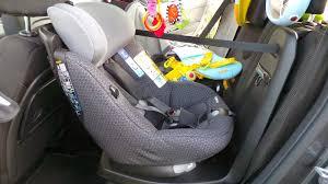 voiture 3 sièges bébé test du bébé confort axissfix et axissfix plus i size sécurange