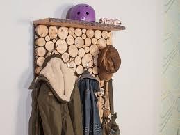 diy garderobe garderobe in holzstapeloptik selber bauen