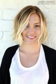the blonde short hair woman on beverly hills housewives great hair lives at ramirez tran salon in beverly hills cut style