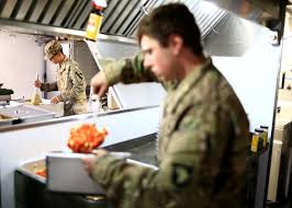 us troops in iraq celebrate thanksgiving with turkey feast and