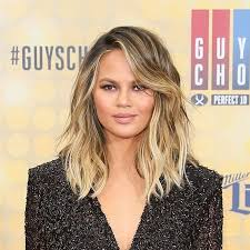 khloé kardashian debuts short lob the tousled lob is so in right now and so many celebs are hopping